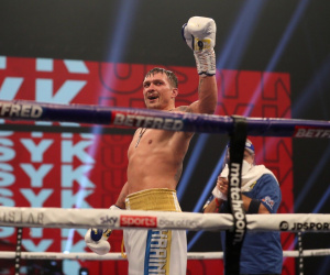 Oleksandr Usyk to allow negotiations to continue for undisputed clash between Anthony Joshua and Tyson Fury who wins and why step aside money mandatory when fight confirmed